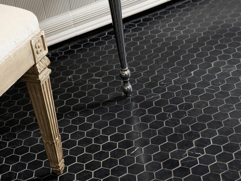 Vendita e posa pavimento con mosaici in marmo a brescia for Mosaici in marmo per pavimenti
