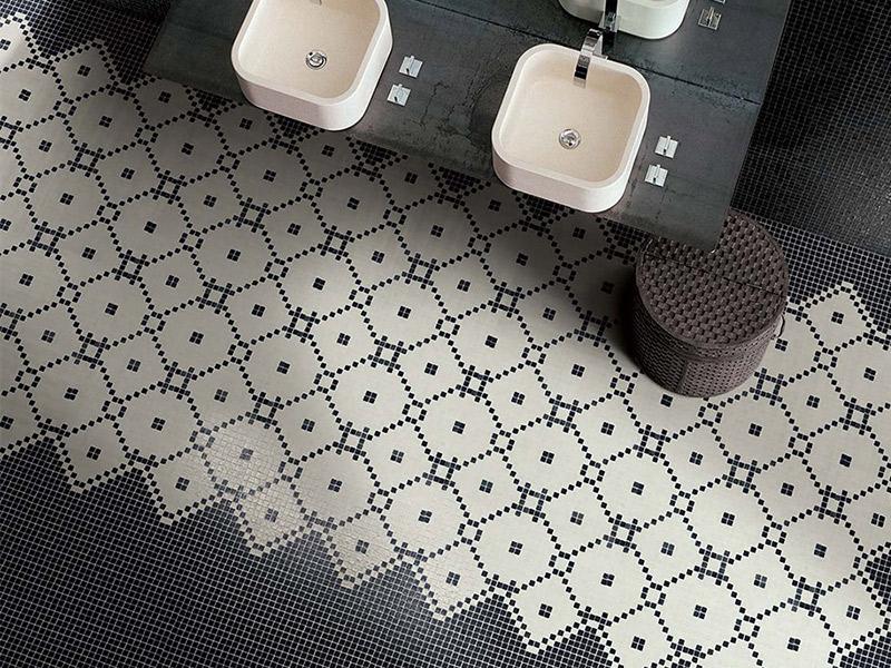 Vendita e posa pavimento con mosaici in vetro a brescia for Mosaici in marmo per pavimenti