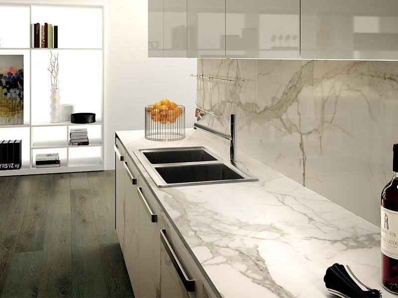 Progettazione e realizzazione di piani cucina in gres a Brescia